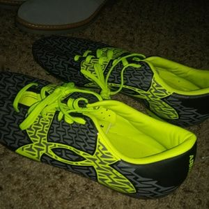 Under armour size 10.5 soccer cleats